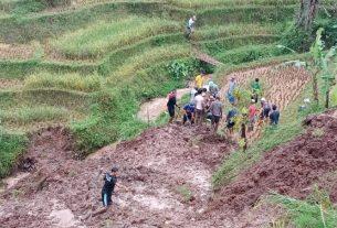Korban Longsor di Bandung