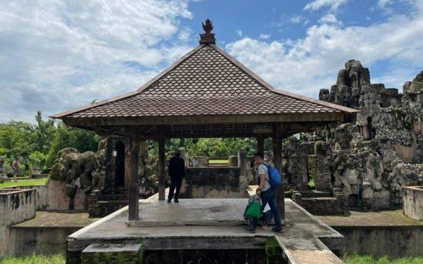 Libur Lebaran, Pengunjung Goa Sunyaragi Cirebon Naik